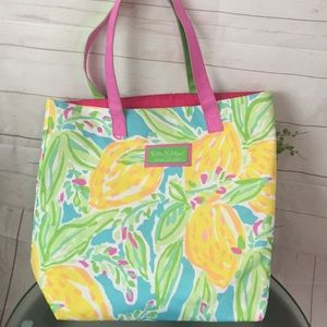 Lilly Pulitzer Bags - Lilly Pulitzer for Estée Lauder Floral Tote bag